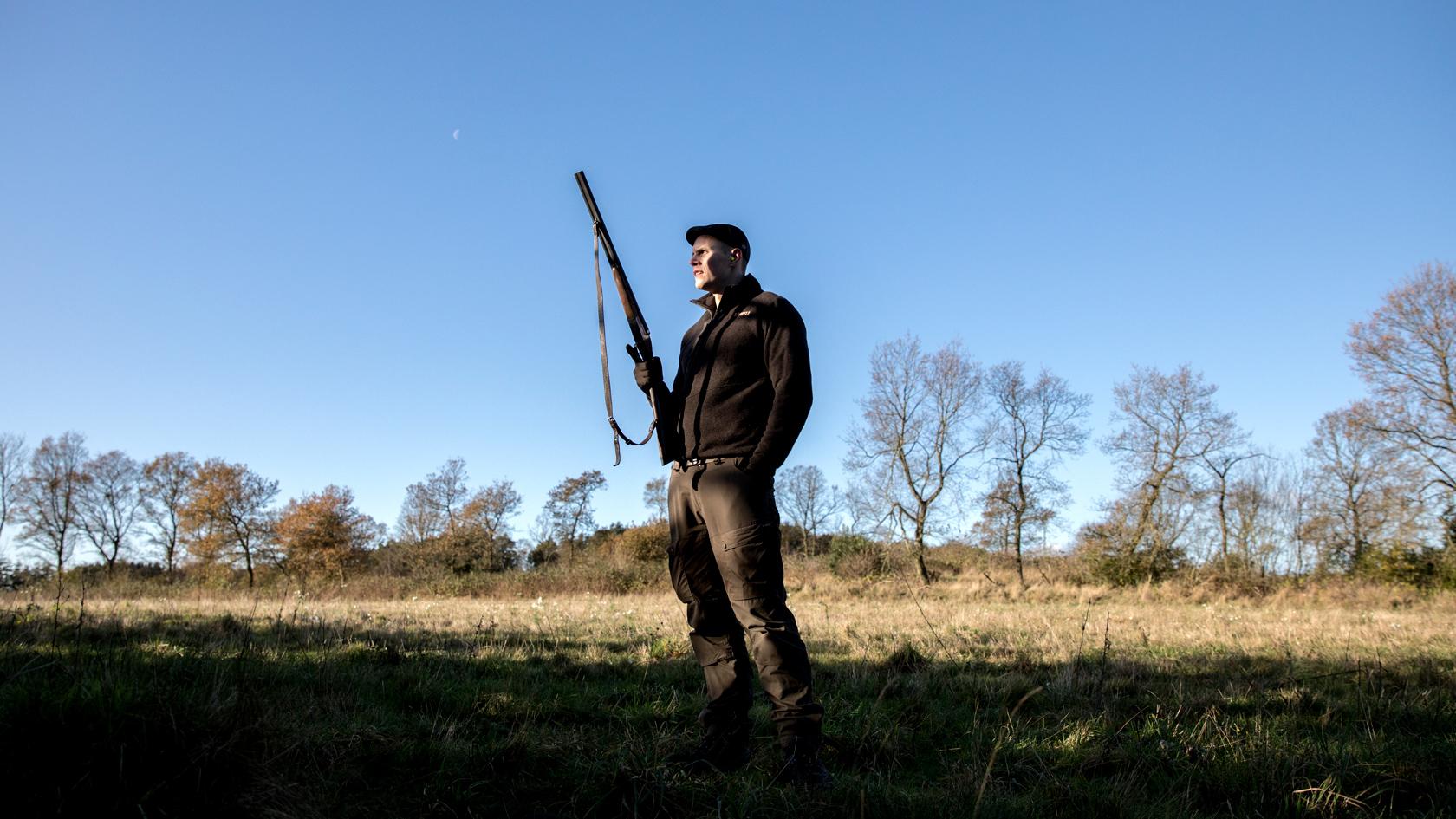 Mads elsker det fællesskab, som jagt skaber. Her kan både unge og ældre være med.